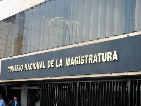 UN MAESTRO AL CONSEJO NACIONAL DE LA MAGISTRATURA