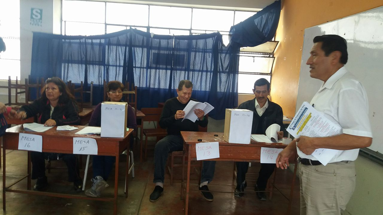 Maestros sufragaron responsablemente en Elecciones del CPPe.