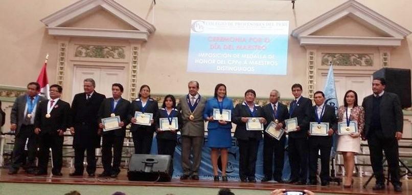 EDUCADORES PROFESIONALES CALIFICADOS PARA OTORGAR LA MEDALLA DE HONOR DEL CPPe.